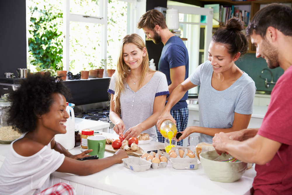 Big House Shares: The Benefits Of Living With A Group Of Mates