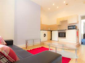 Image of Flat 2, 6 Winstanley Terrace